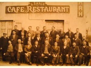 Les vignerons de la Société Saint-Vincent au café BARGE