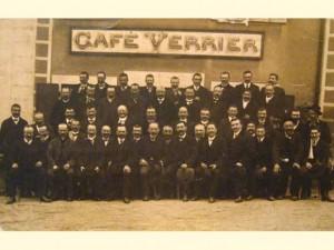 La vignerons de la Société Saint-Vincent au café VERRIER